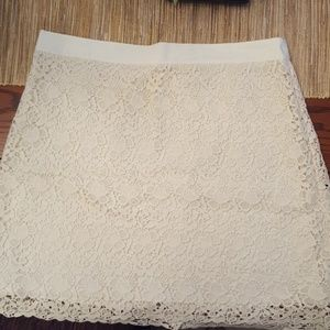 Loft off white Lace Skirt. Excellent condition.